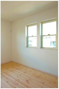 温かい無垢材の床