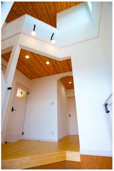 木目が美しい玄関
