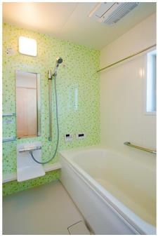 敷き詰められた緑のタイル